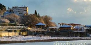 Пляж в Симеизе зимой