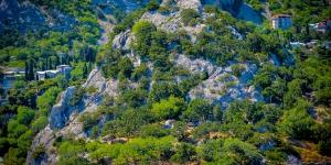 Скала и крепость Панеа-Исар