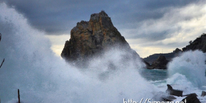 Сильный шторм в Симеизе